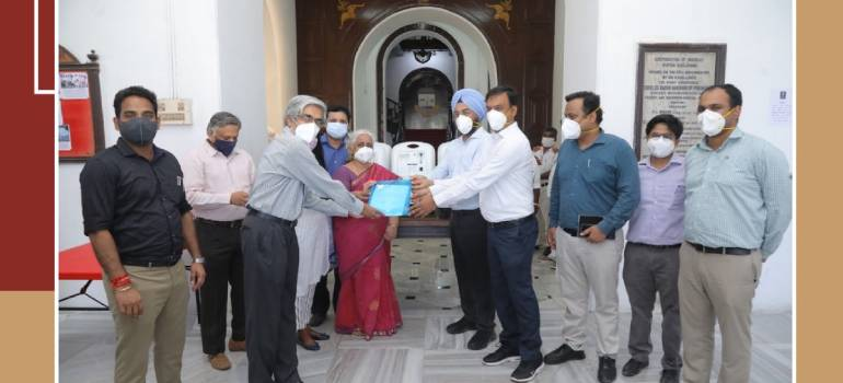 IIT Madras alumni donate USD 2 million for Covid-19 relief efforts, hands over 200 oxygen concentrators